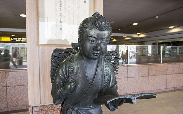 二宮金次郎/小田原駅